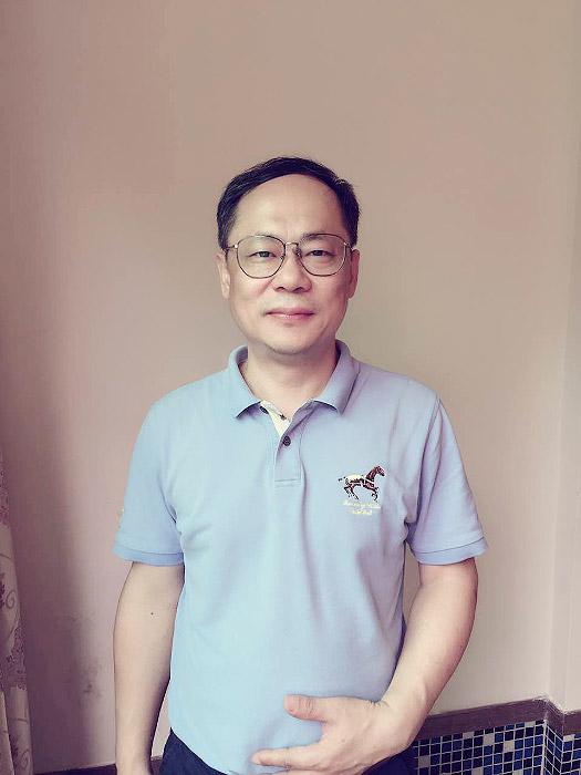 首届广东省工程勘察设计大师之陈伟雄
